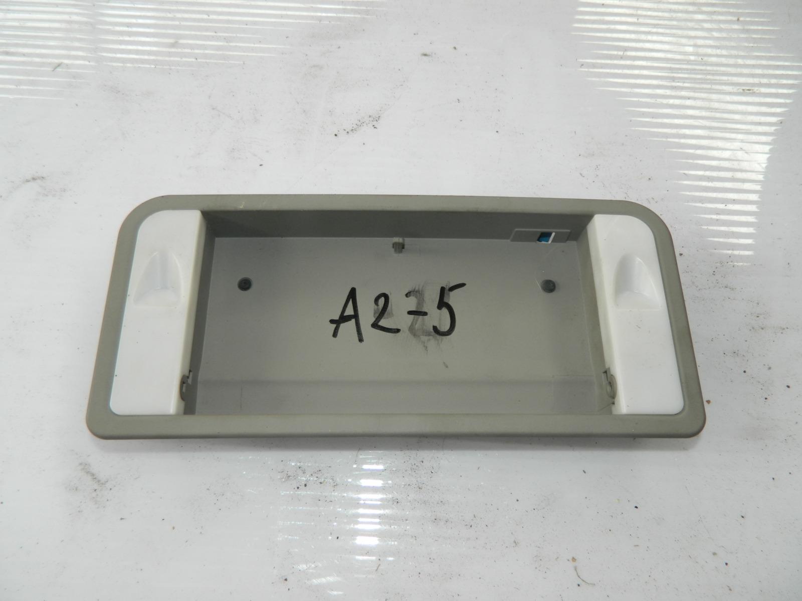 Плафон салона Audi A8 4E2 (б/у)