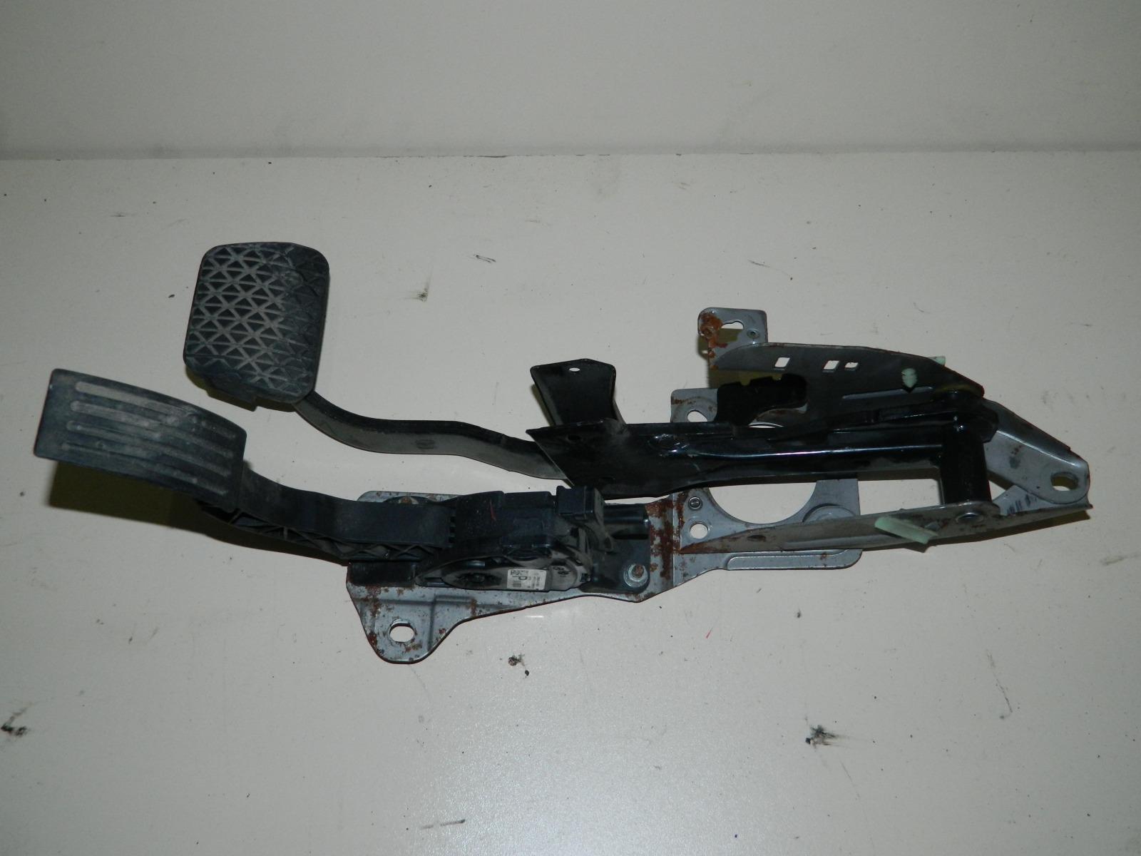 Педаль тормоза Mazda 3 BL (б/у)