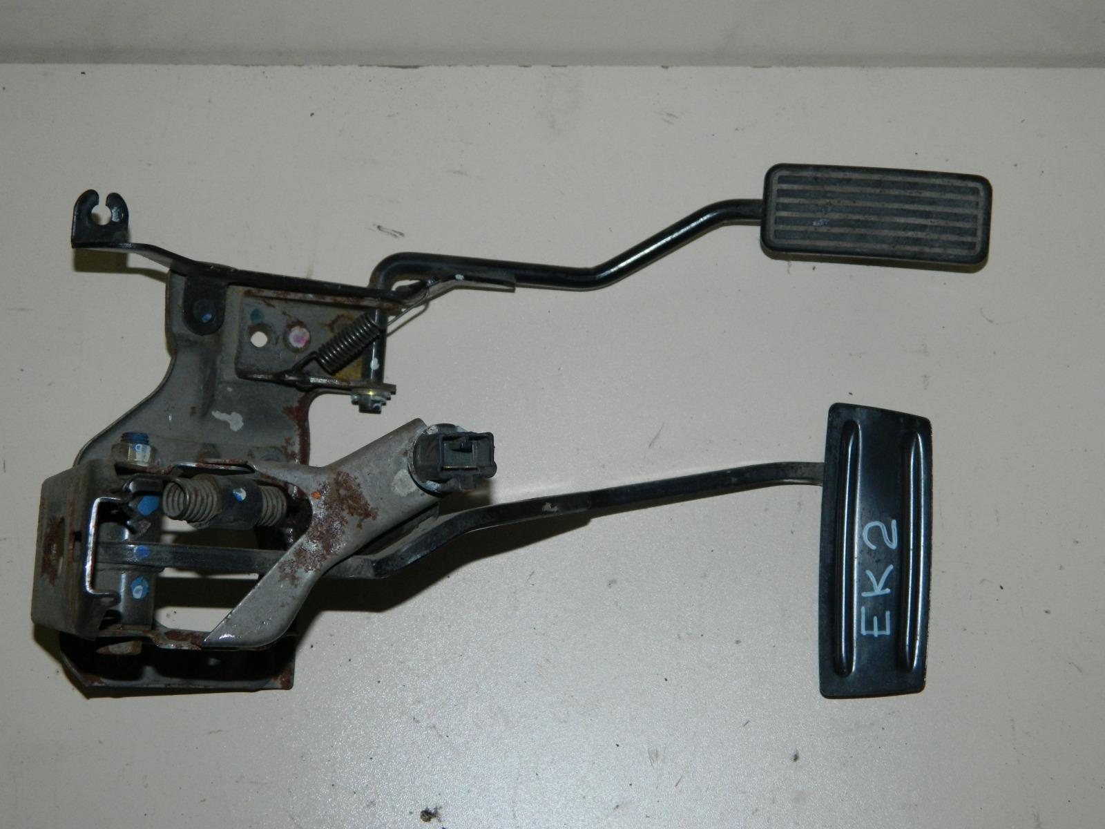 Педаль тормоза Honda Civic Ferio EK2 (б/у)