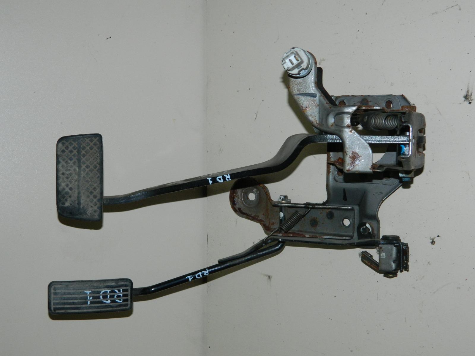 Педаль тормоза Honda Cr-V RD1 (б/у)