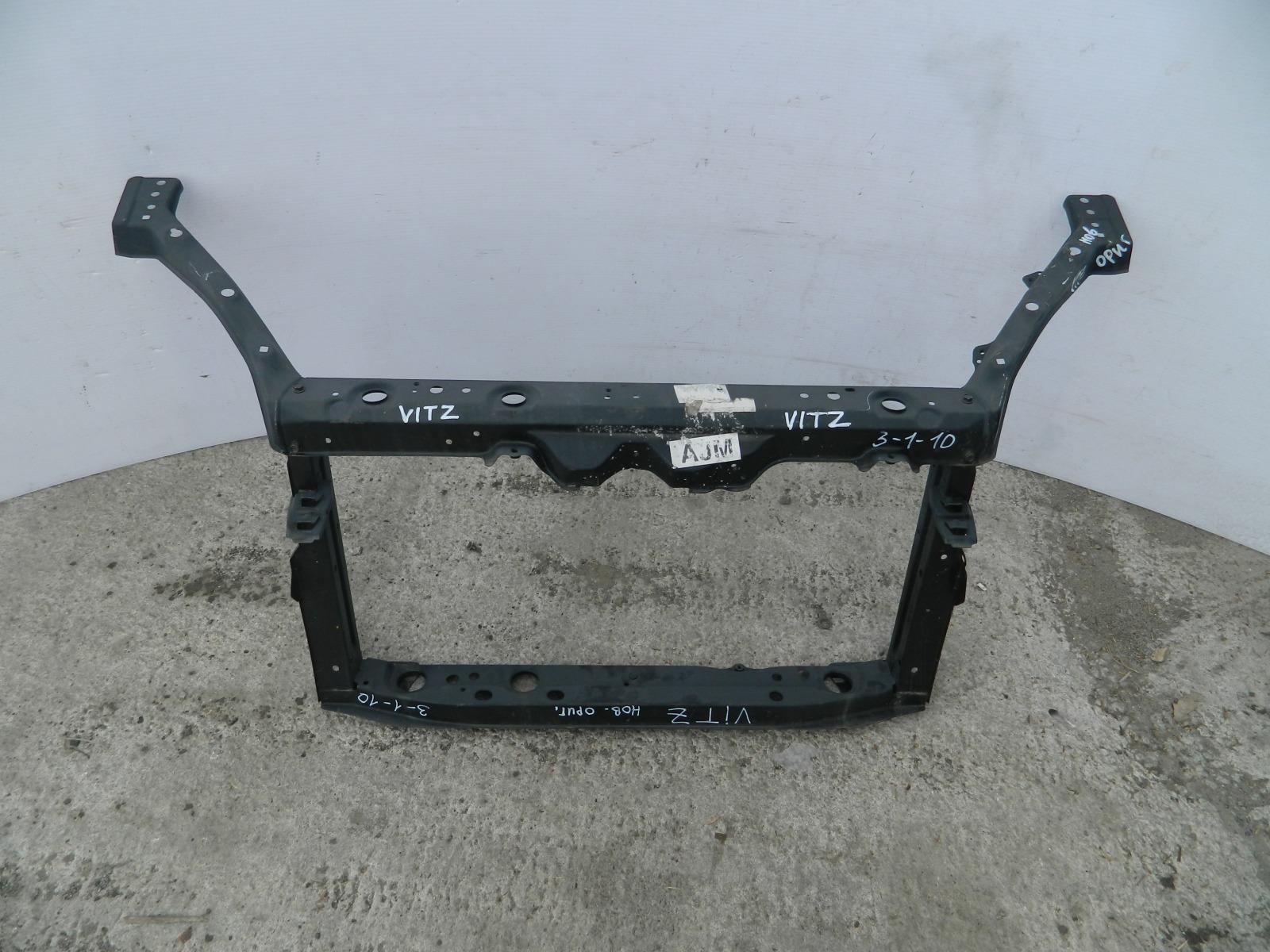Рамка радиатора Toyota Vitz NCP10 (б/у)