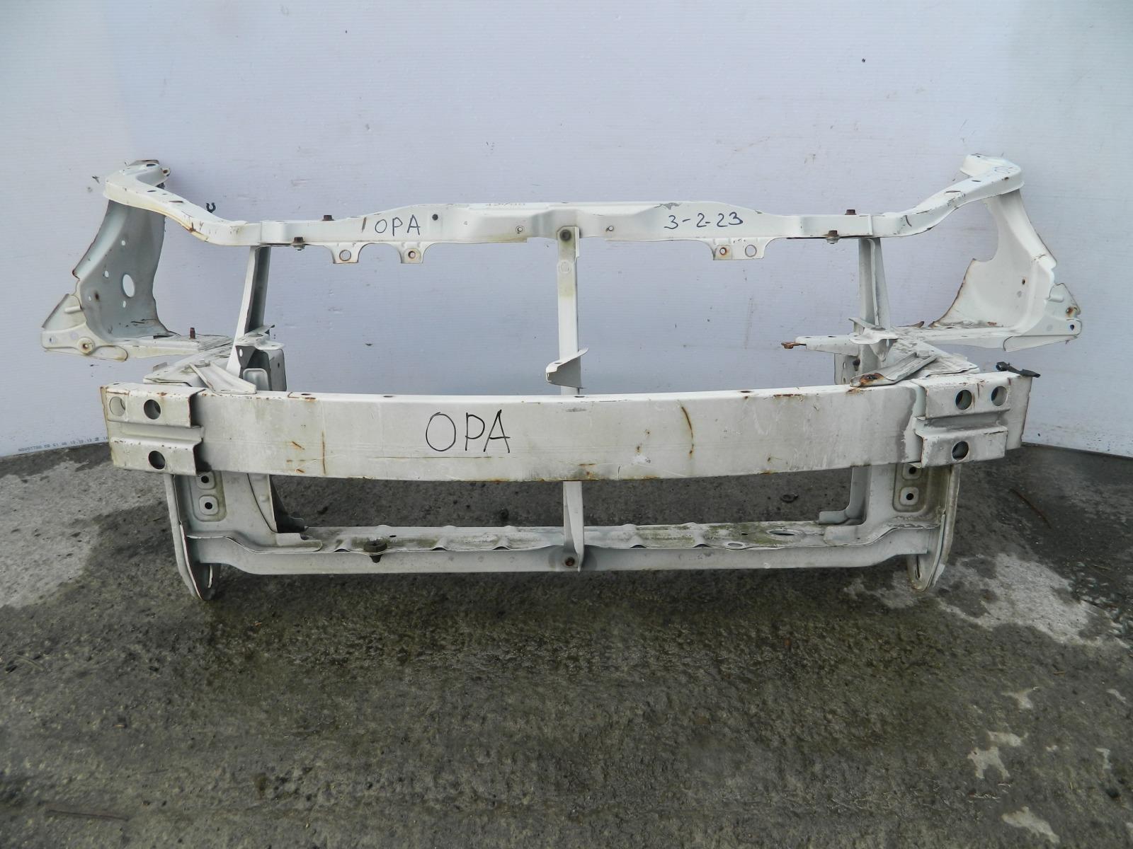 Рамка радиатора Toyota Opa ACT10 (б/у)