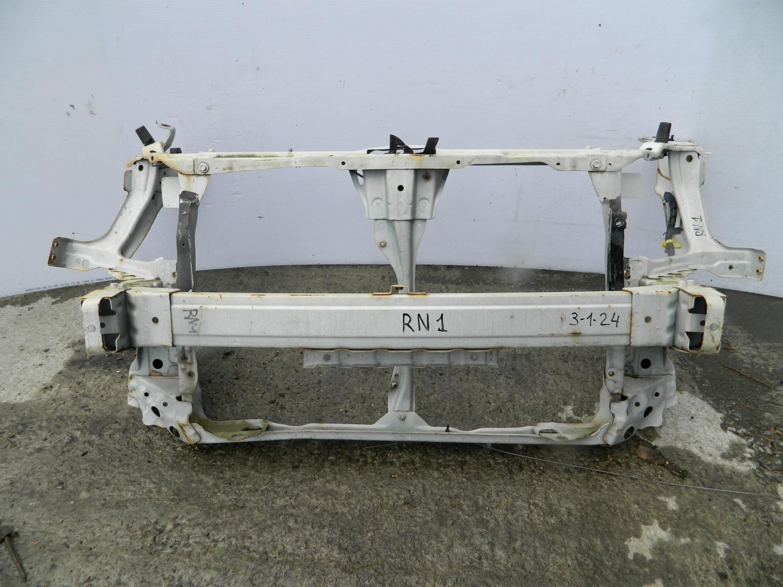 Рамка радиатора Honda Stream RN1 (б/у)