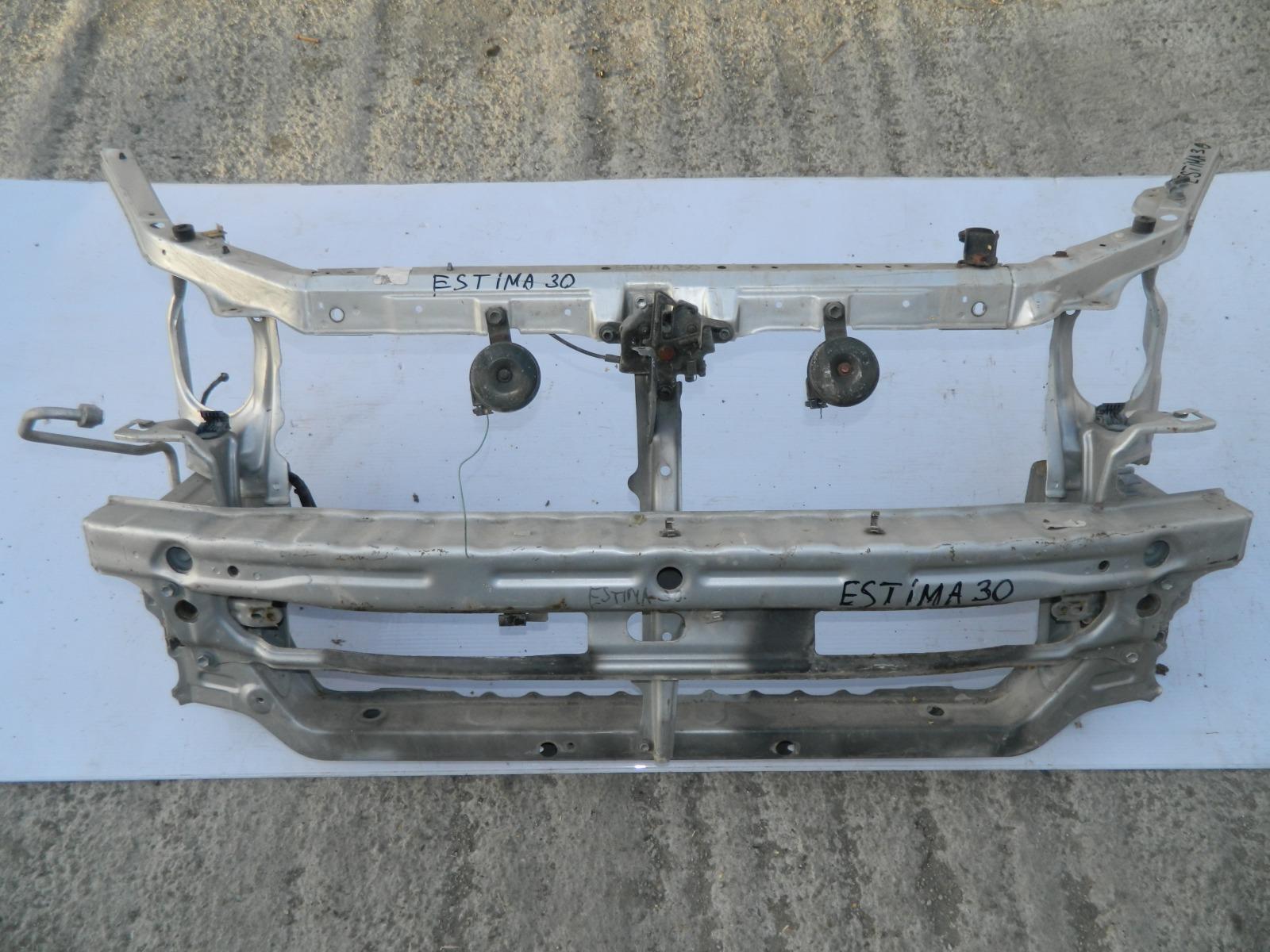 Рамка радиатора Toyota Estima ACR30 (б/у)