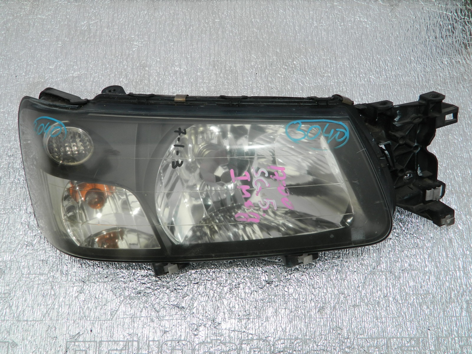 Фара Subaru Forester SG5 передняя правая (б/у)
