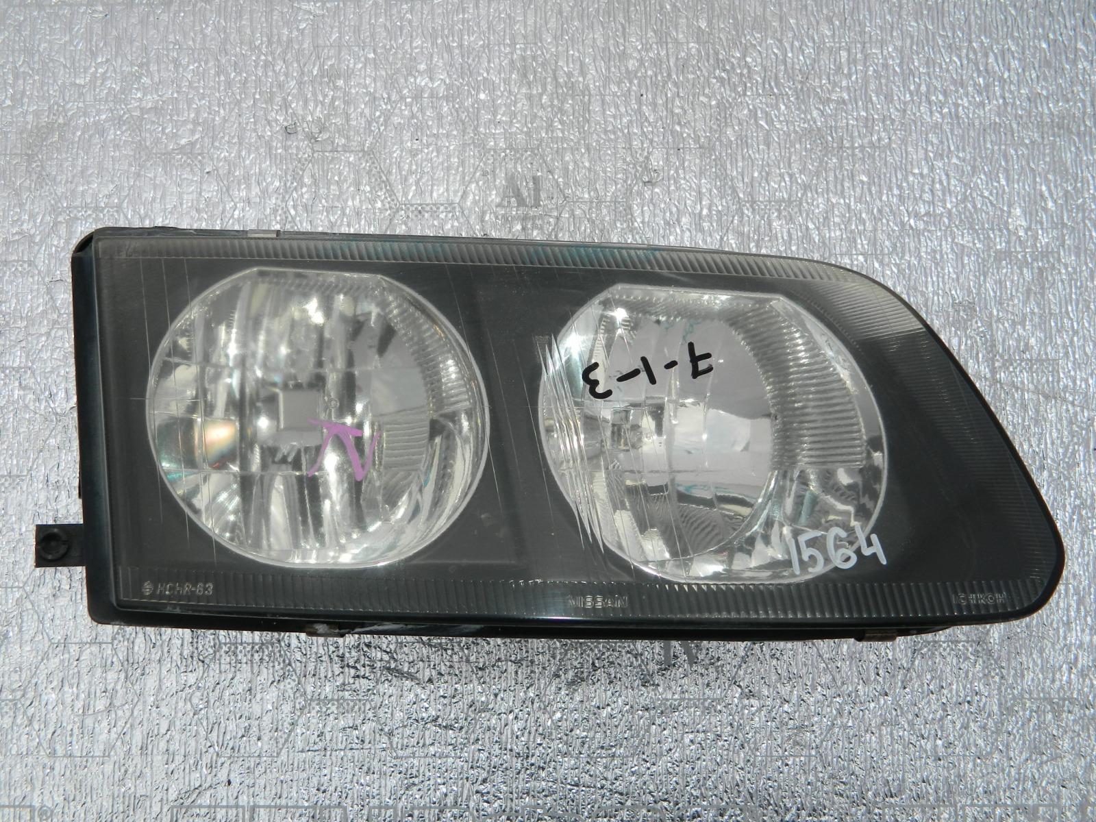 Фара Nissan Rnessa N30 передняя правая (б/у)