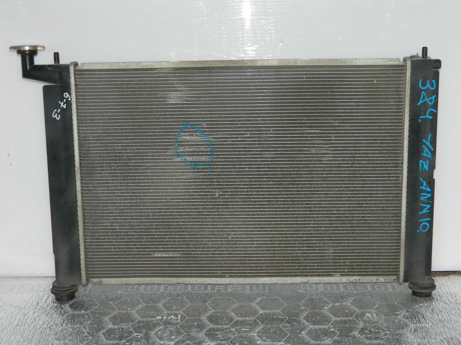 Радиатор двс Toyota Isis ANM10 (б/у)