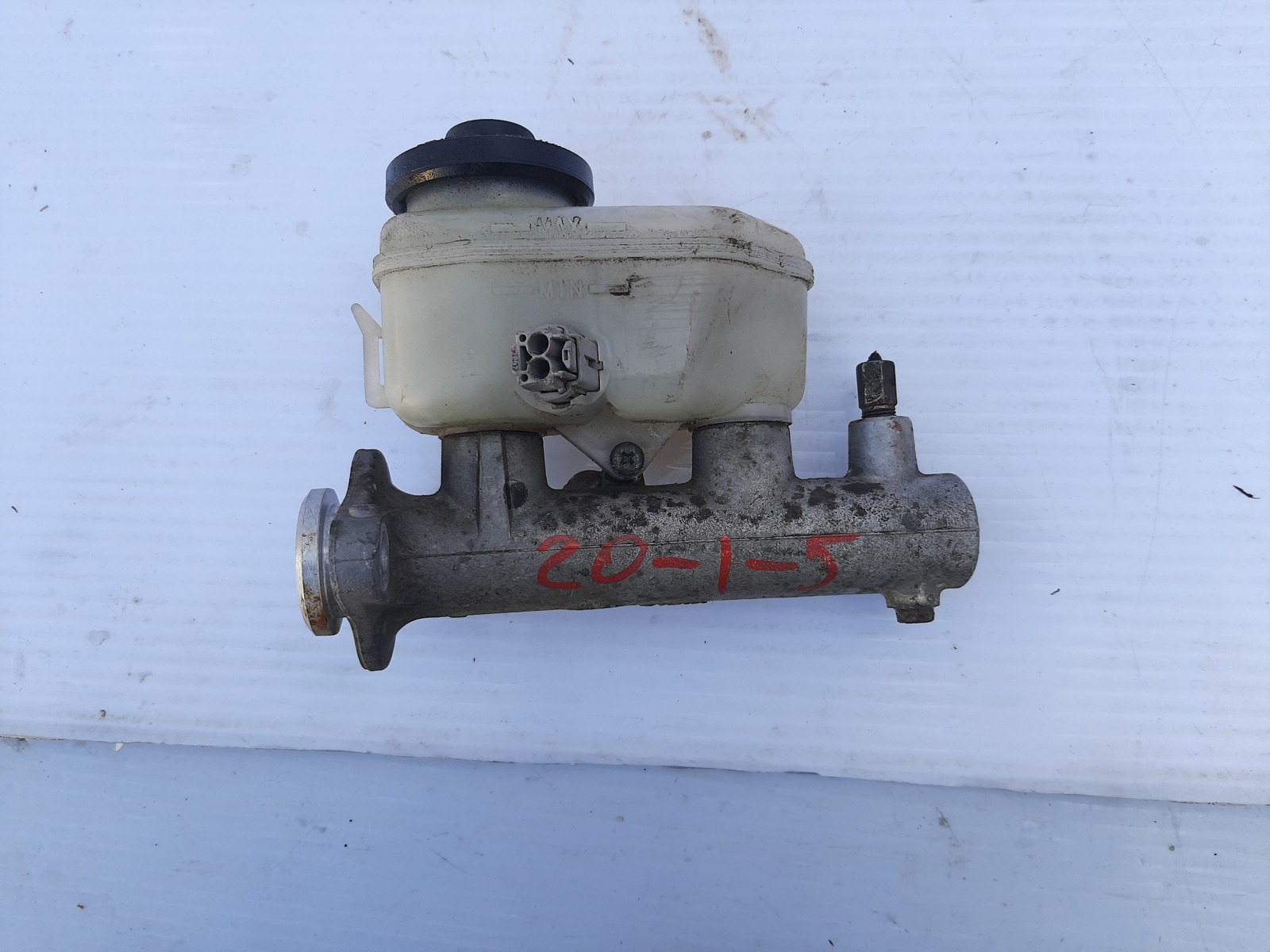 Главный тормозной цилиндр Toyota Scepter SXV15 (б/у)