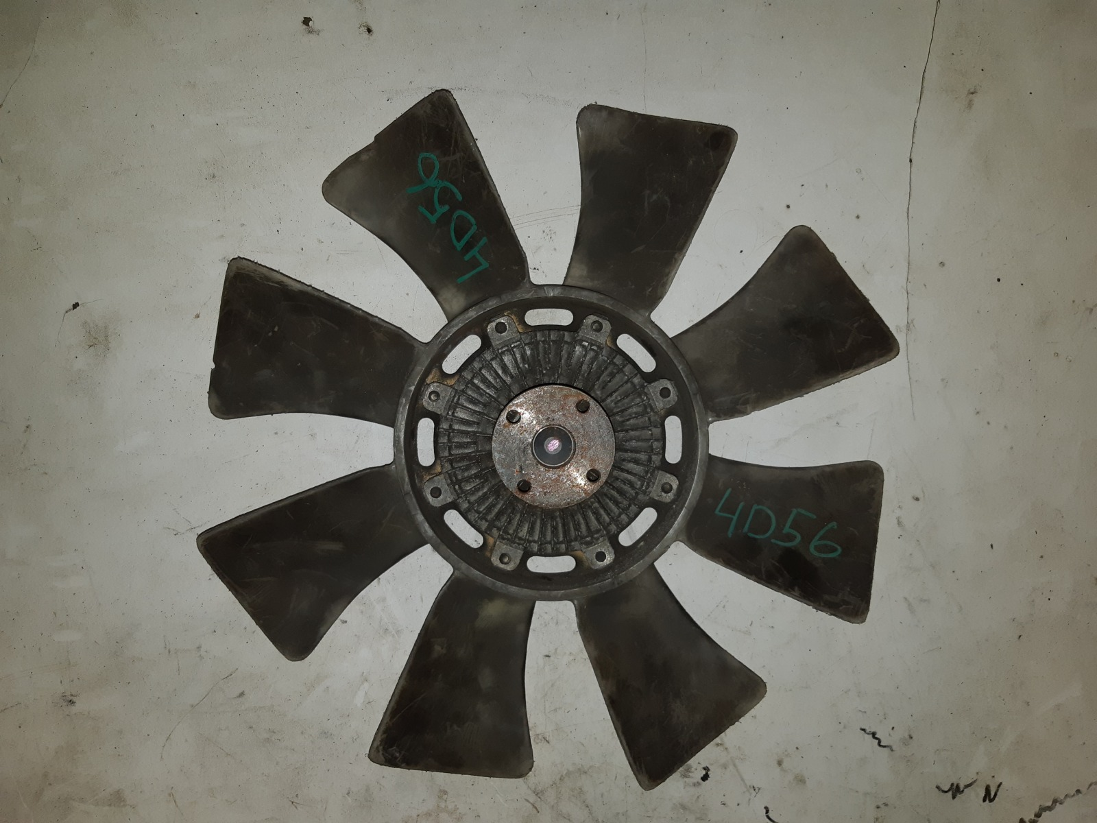 Вискомуфта с вентилятором Mitsubishi Delica 4D56 (б/у)