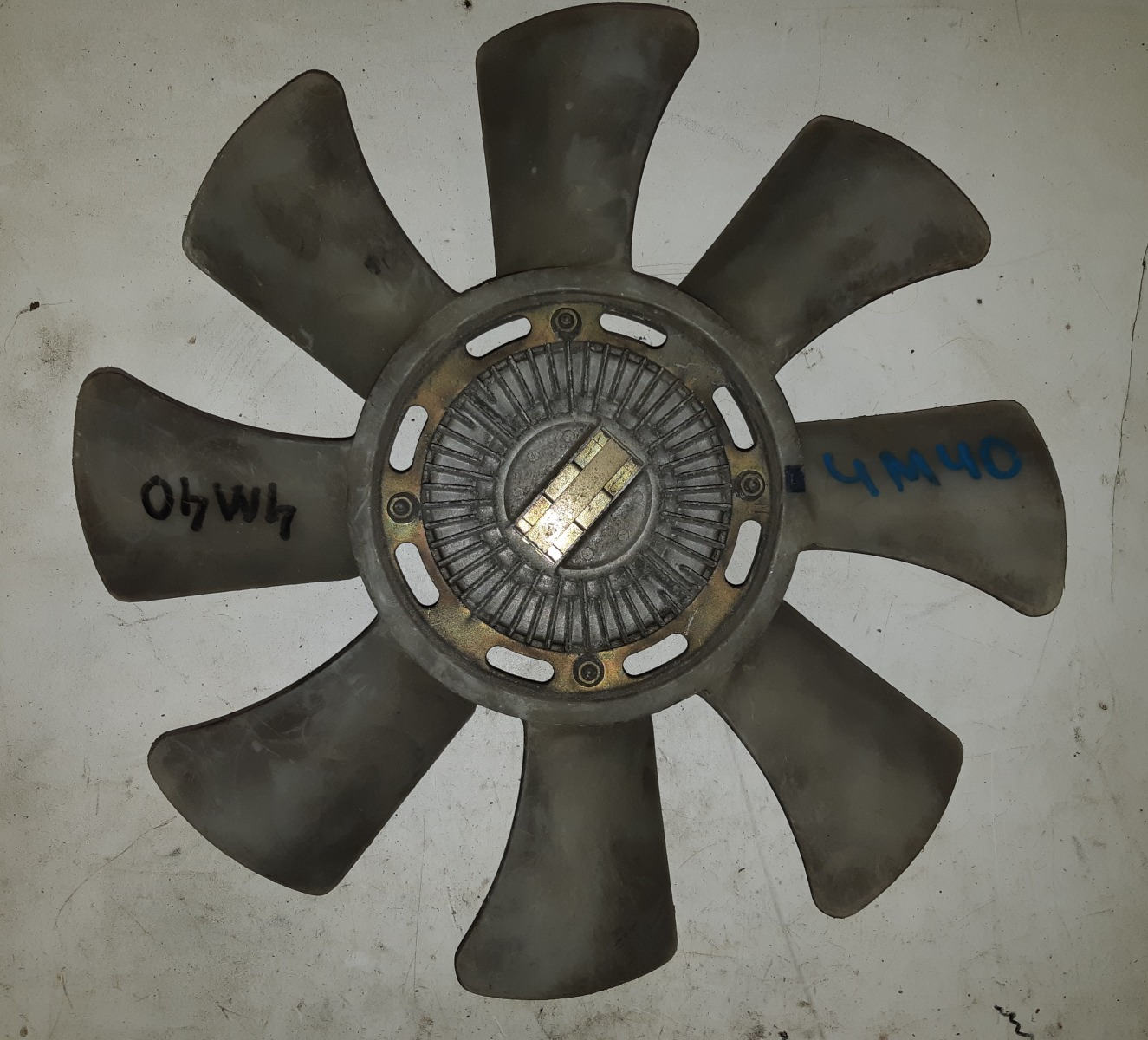 Вискомуфта с вентилятором Mitsubishi Delica 4M40 (б/у)