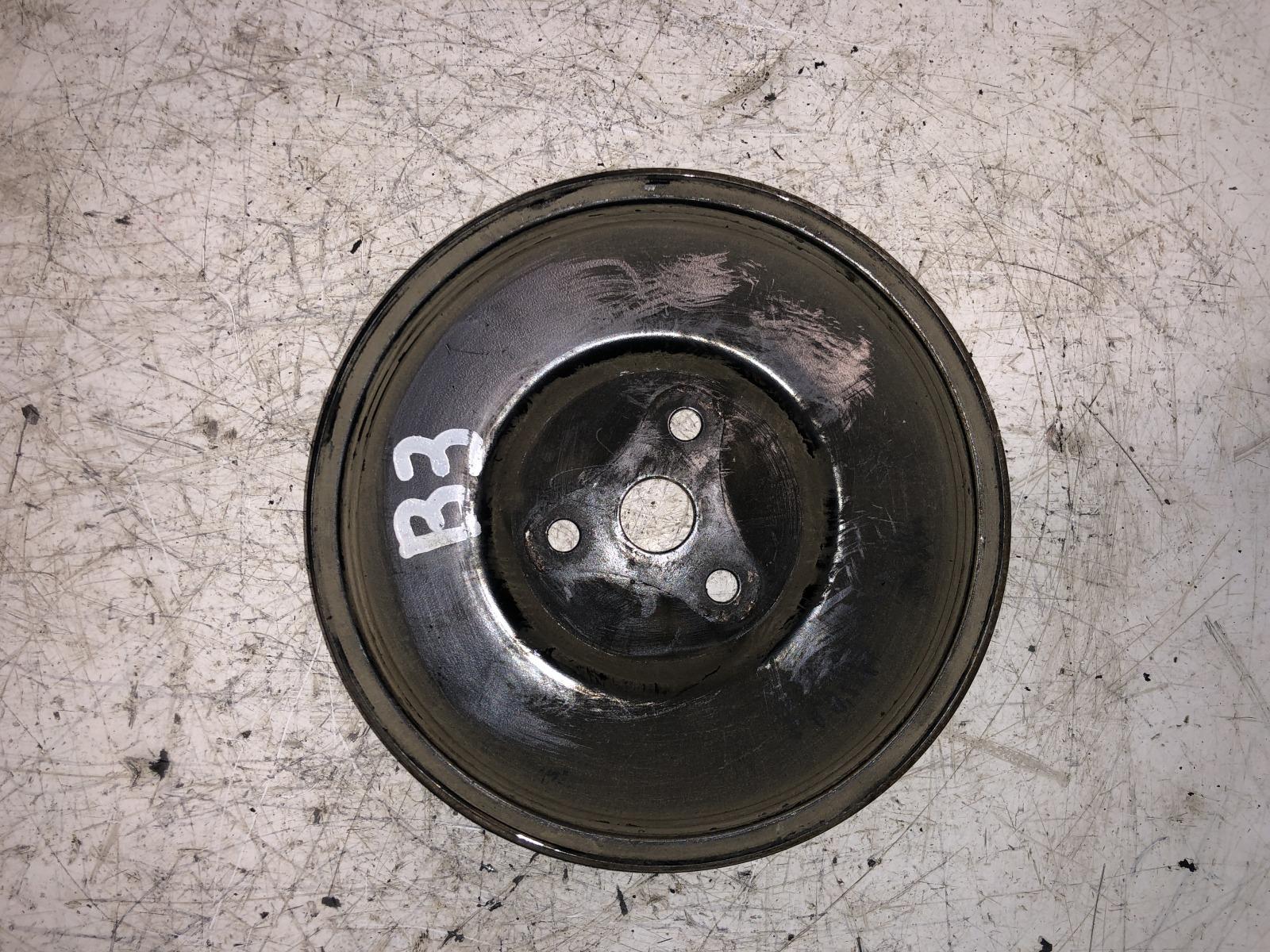 Шкив помпы Mazda 323 B3 (б/у)