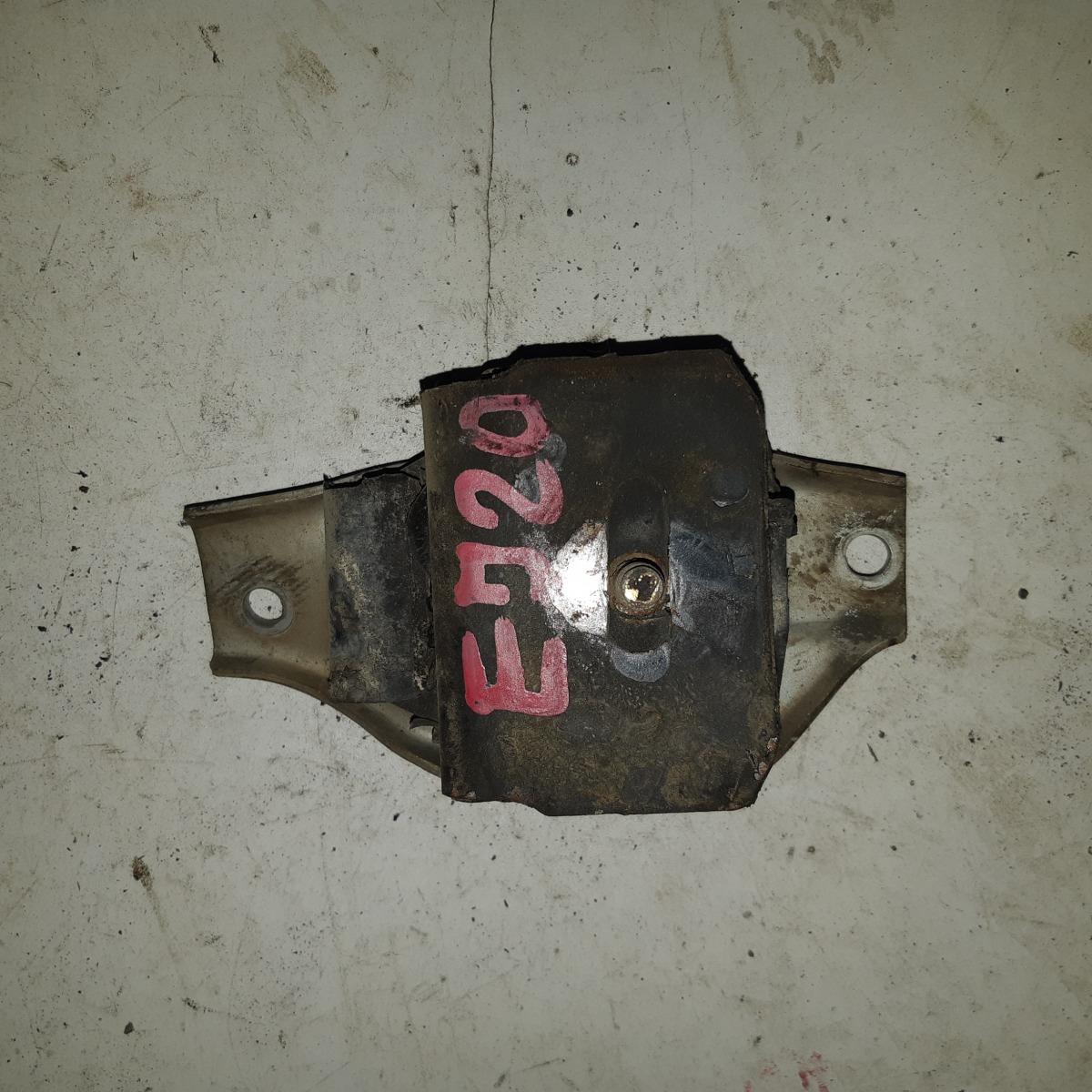 Подушка двигателя Subaru Legacy EJ20 (б/у)