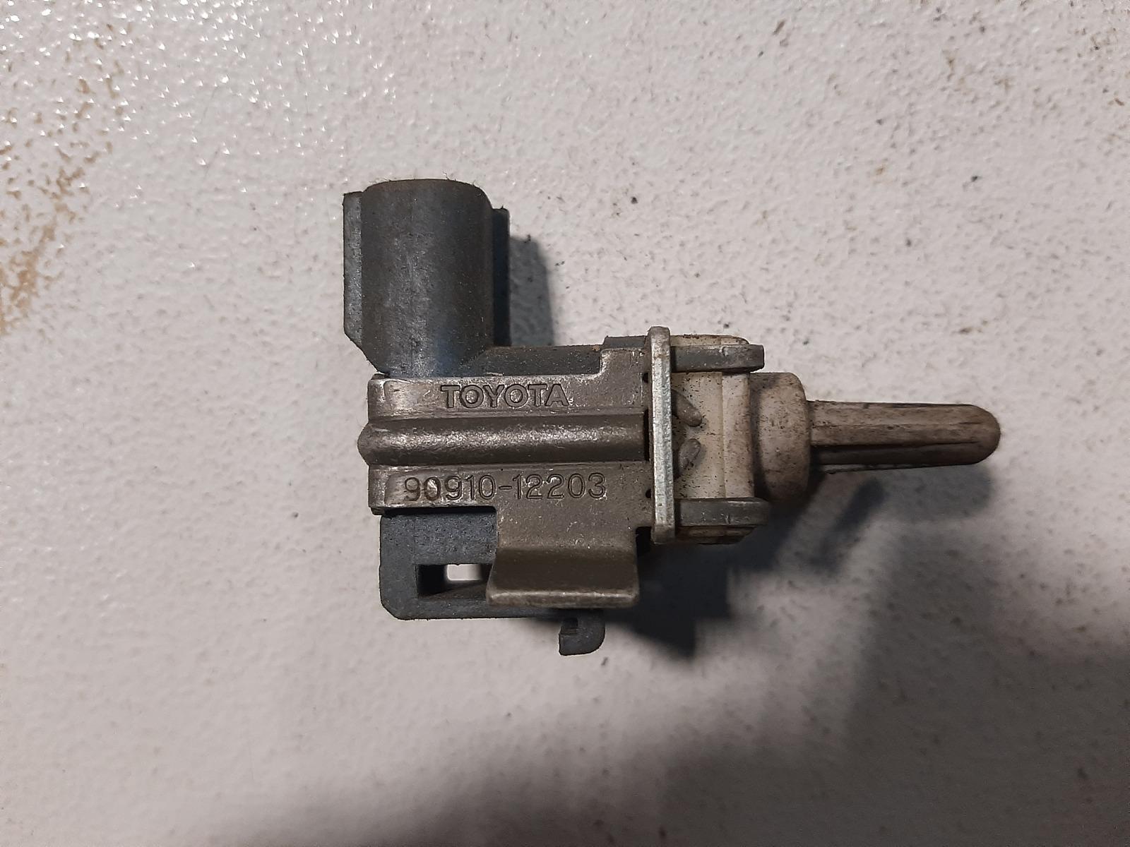 Датчик вакуумный Toyota Vitz SCP10 1SZ-FE (б/у)