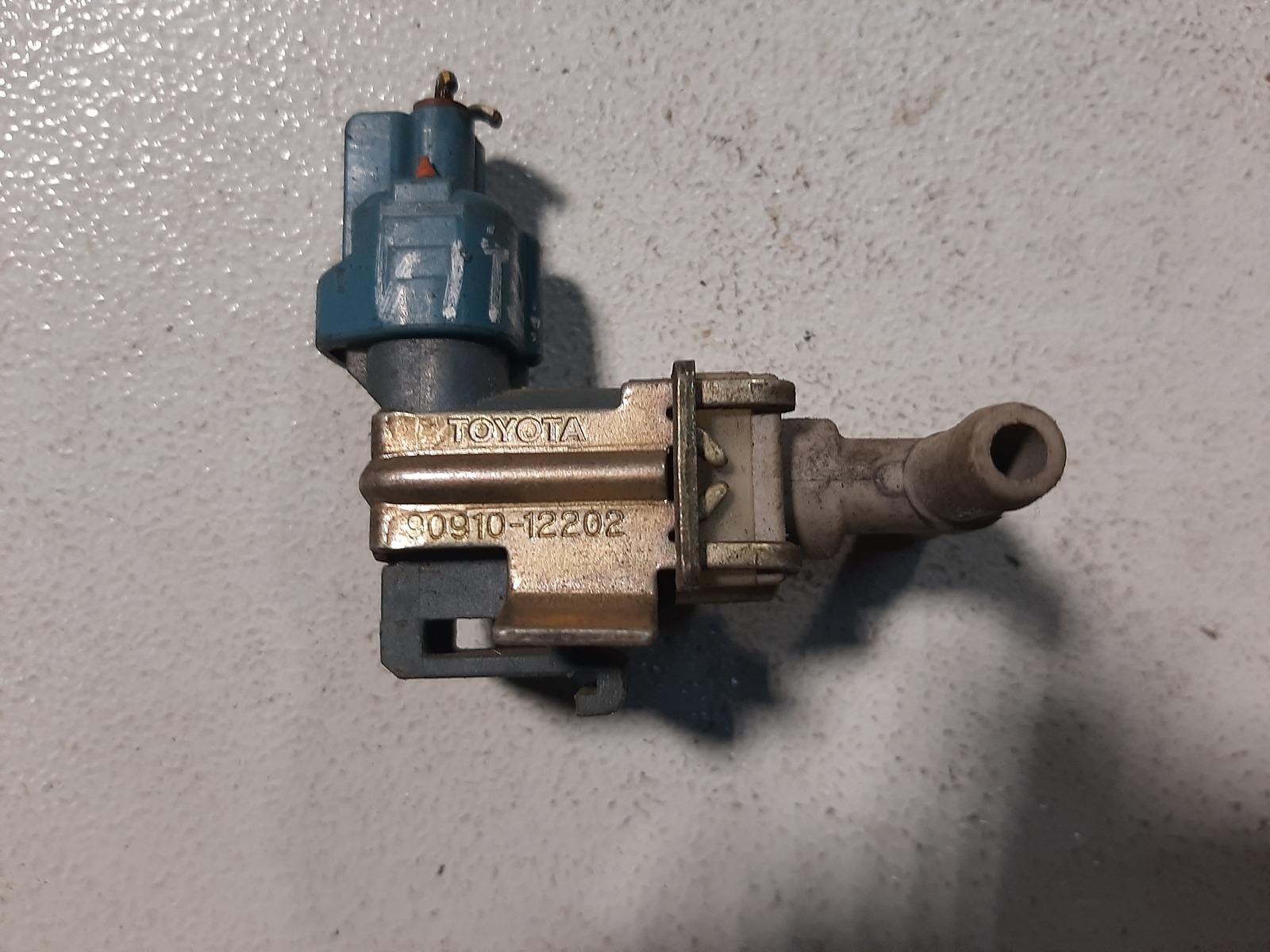 Датчик вакуумный Toyota Platz SCP10 1SZ-FE (б/у)