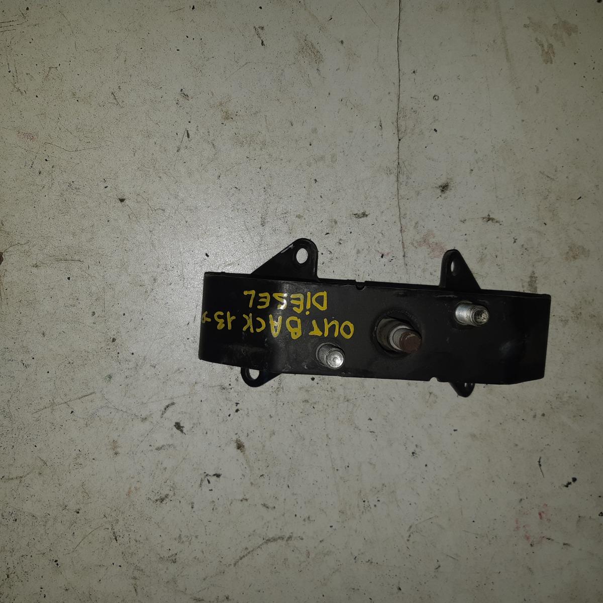 Подушка кпп Subaru Impreza GC6 (б/у)