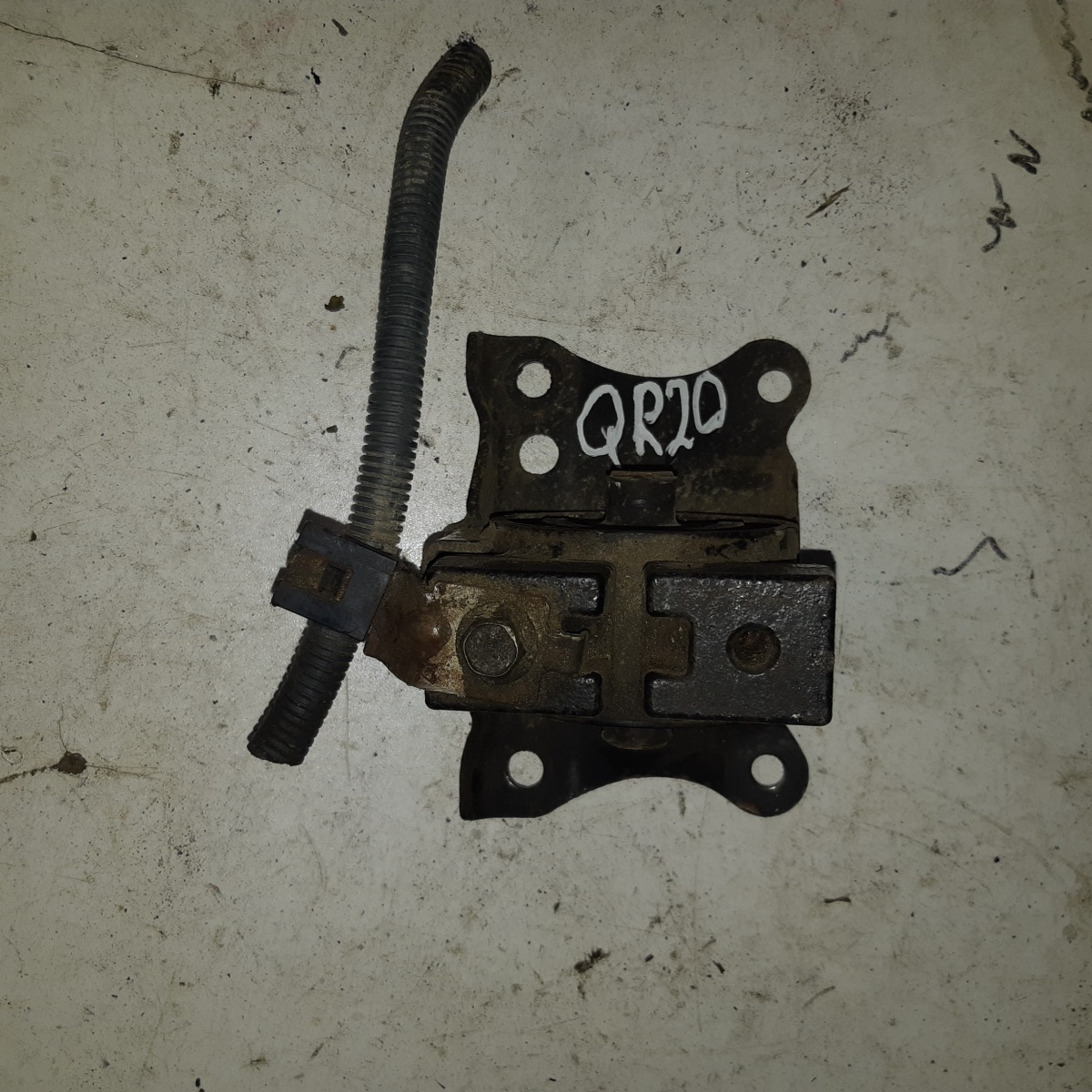 Подушка двигателя Nissan Primera P12 QR20 (б/у)
