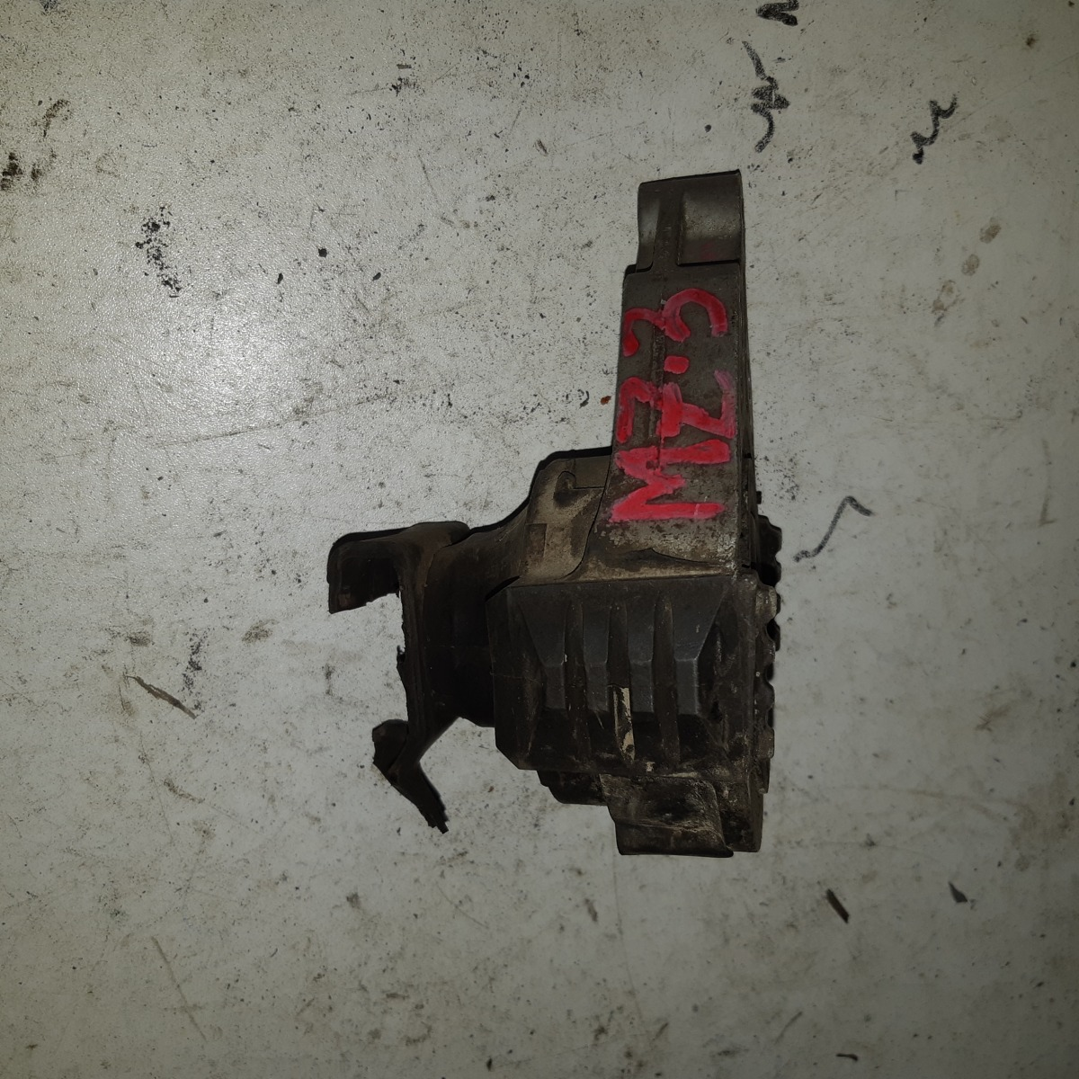 Подушка двигателя Mazda 3 BK LF (б/у)