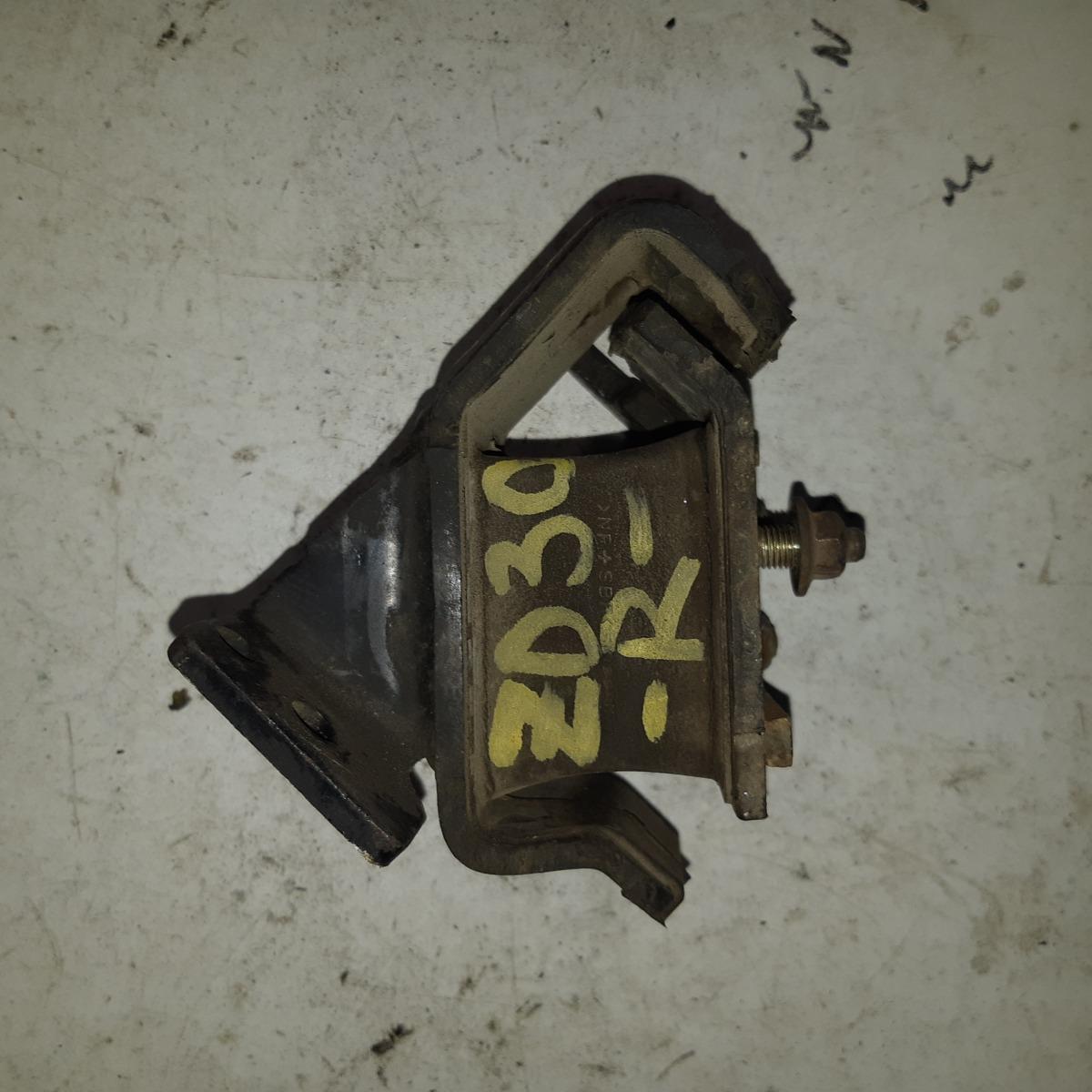 Подушка двигателя Nissan Elgrand ZD30 правая (б/у)