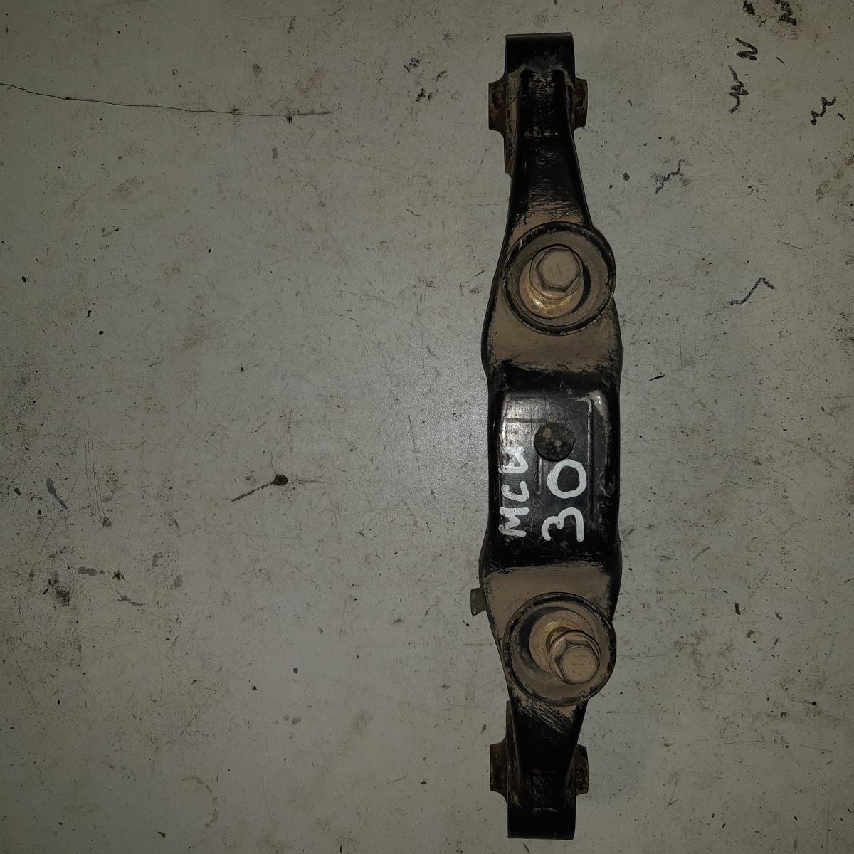 Подушка редуктора Lexus Rx300 MCU30 (б/у)