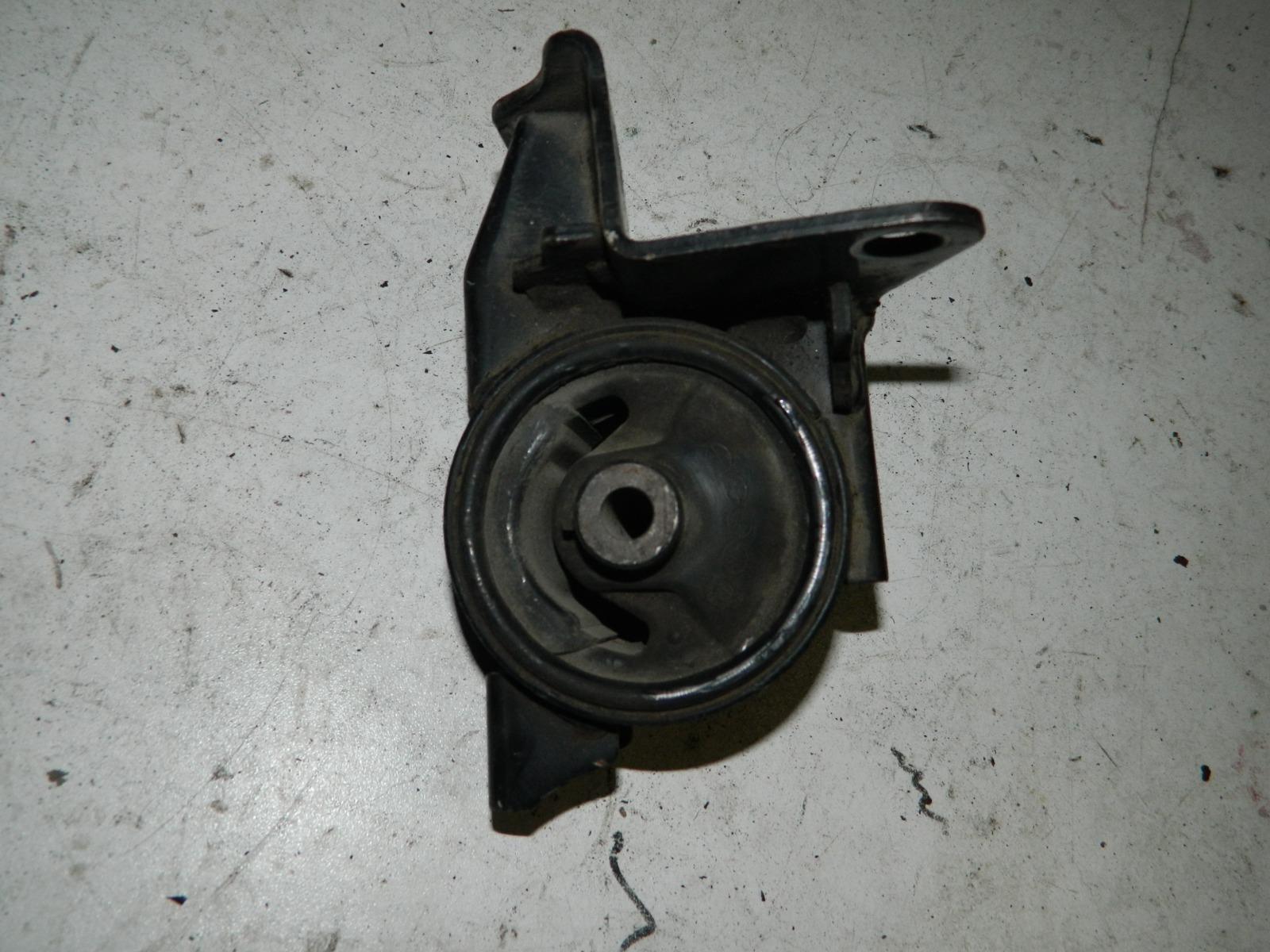 Подушка кпп Toyota Vista Ardeo ZZV50 1ZZFE (б/у)