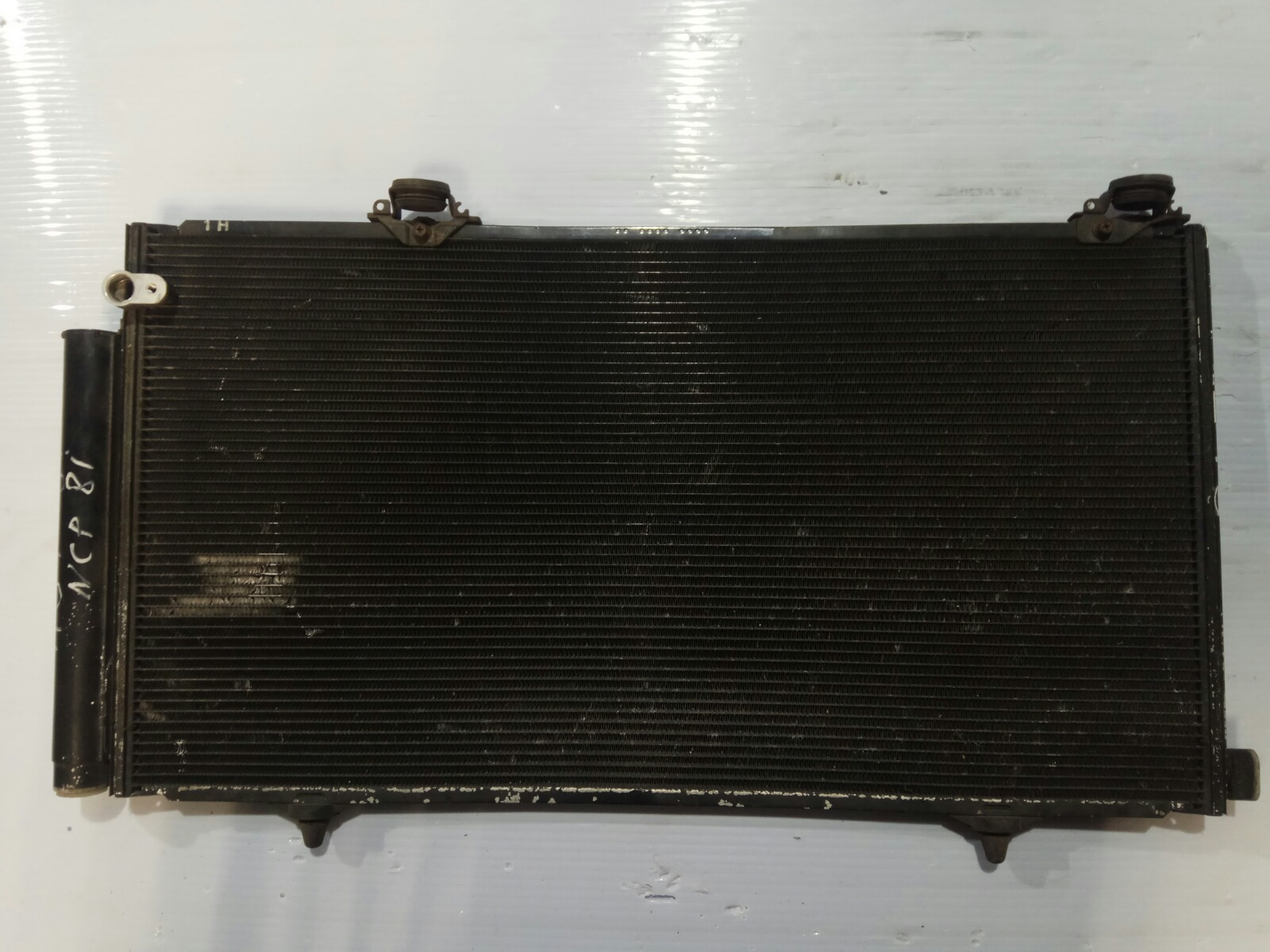 Радиатор кондиционера Toyota Sienta NCP81 (б/у)