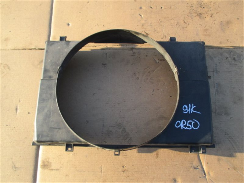 Диффузор радиатора Toyota Noah CR50 (б/у)