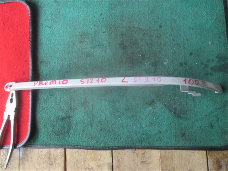Планка под фары Toyota Premio ST210 левая (б/у)