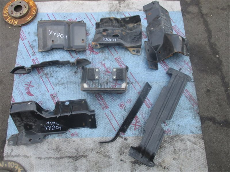 Крепление аккумулятора Toyota Dyna YY201 (б/у)