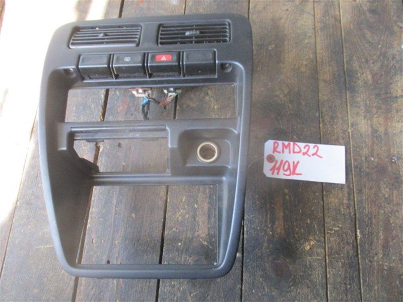 Консоль магнитофона Nissan Datsun D22 (б/у)