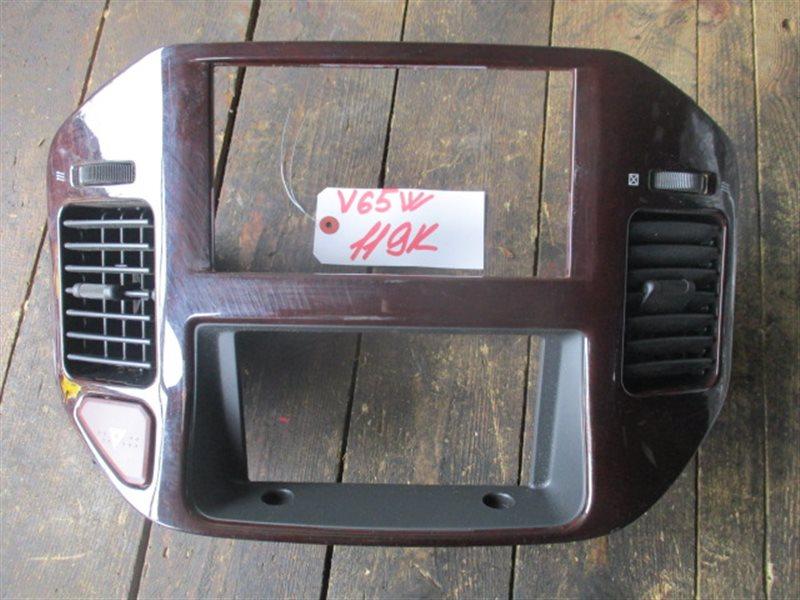 Консоль магнитофона Mitsubishi Pajero V65W (б/у)