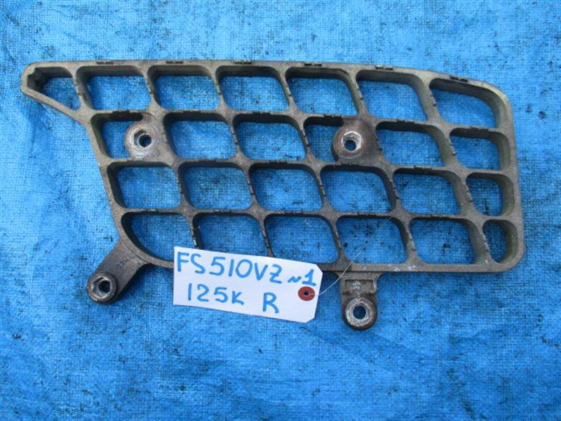 Подножка Mitsubishi Fuso FS510VZ правая (б/у) № 1