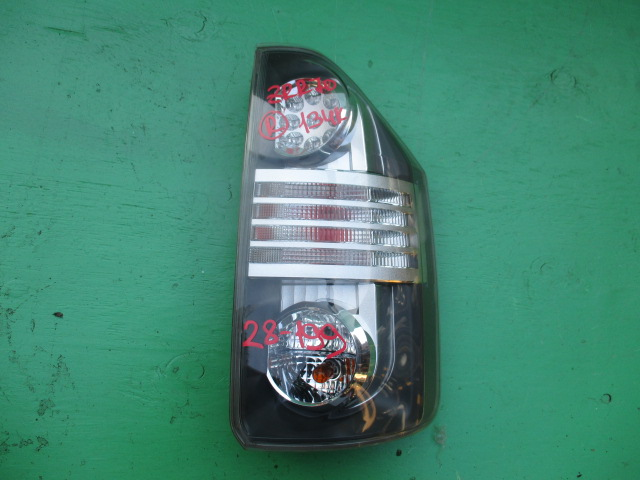 Стоп-сигнал Toyota Voxy ZRR70 правый (б/у)