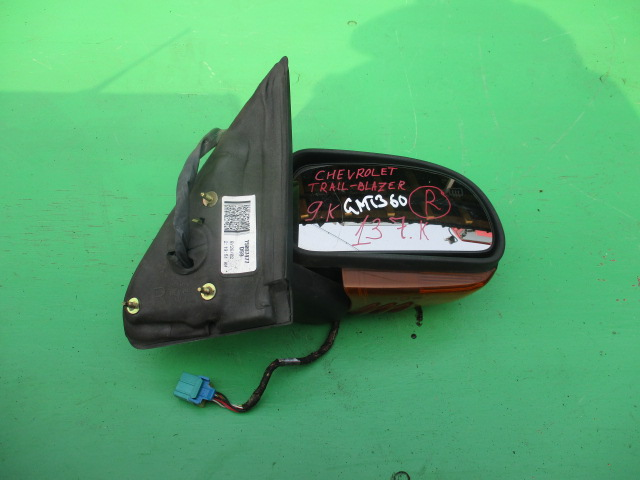Зеркало Chevrolet Trailblazer GMT360 правое (б/у)