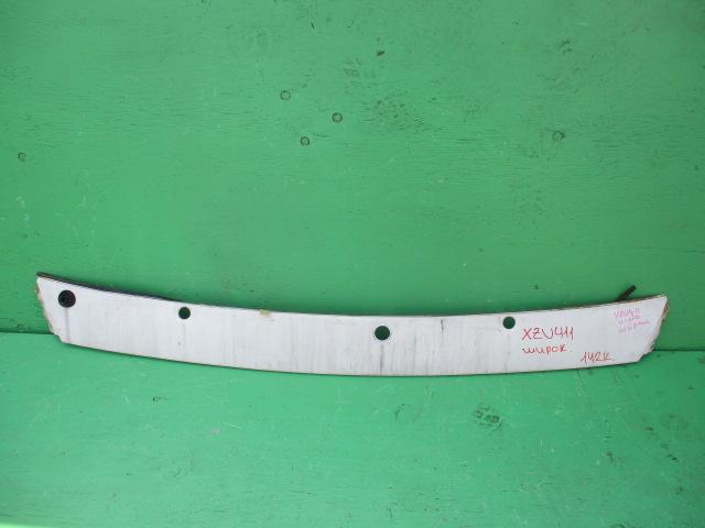 Решетка радиатора Hino Dutro XZU411 (б/у)
