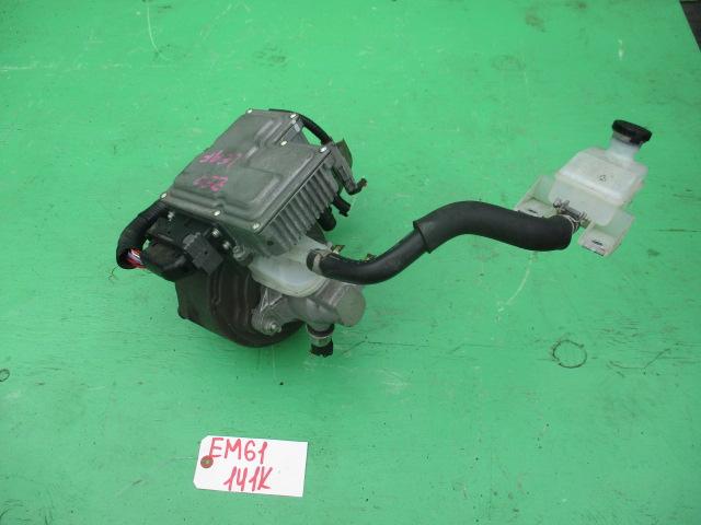 Главный тормозной цилиндр Nissan Leaf ZE0 (б/у)