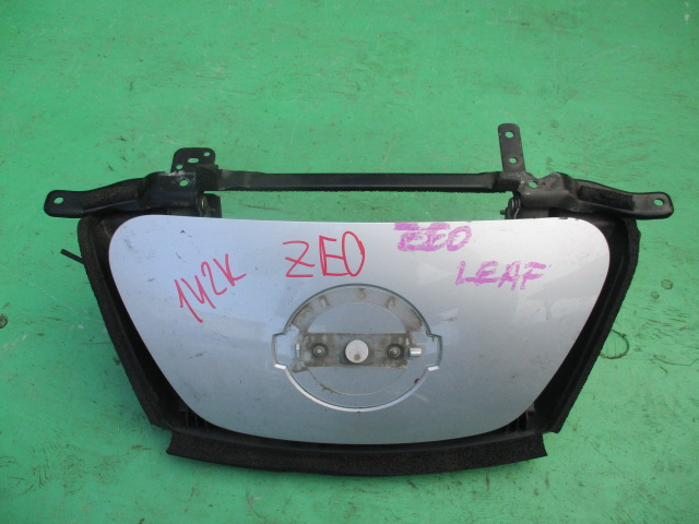 Лючок Nissan Leaf ZE0 (б/у)