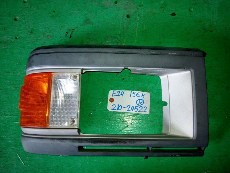 Габарит Nissan Caravan E24 правый (б/у)