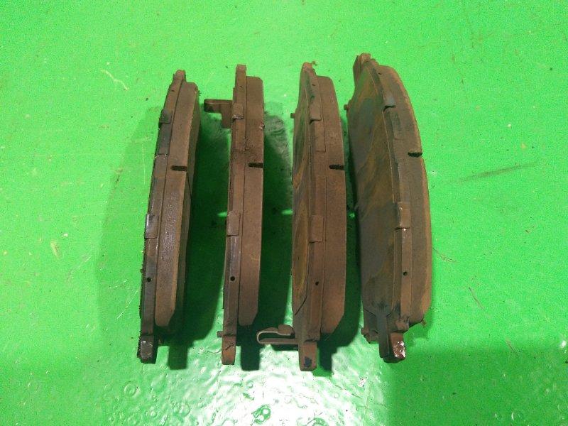 Тормозные колодки Nissan Xtrail NT30 переднее (б/у)