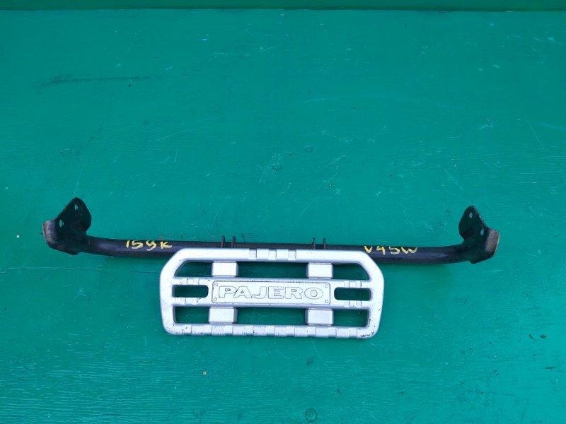 Подножка Mitsubishi Pajero V45W задняя (б/у)