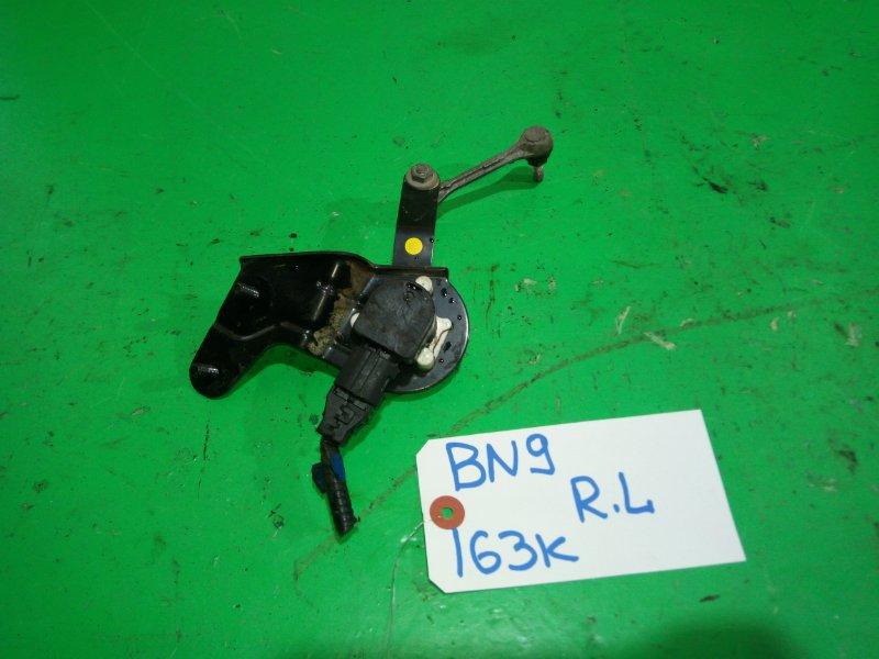 Корректор фар Subaru Legacy BN9 задний левый (б/у)