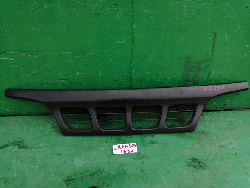 Решетка радиатора Toyota Dyna XZU304 (б/у)
