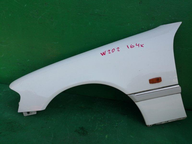 Крыло Mercedes C-Class W202 переднее левое (б/у)