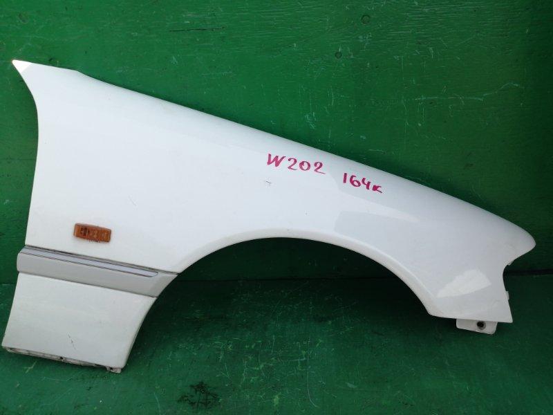 Крыло Mercedes C-Class W202 переднее правое (б/у)