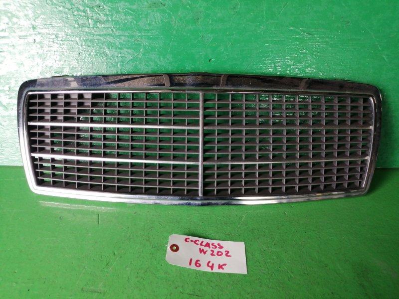 Решетка радиатора Mercedes C-Class W202 (б/у)