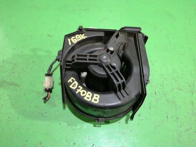 Мотор печки Mitsubishi Canter FD70BB (б/у)