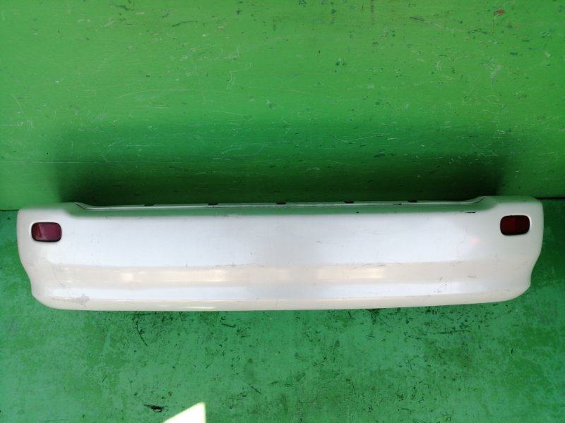 Бампер Toyota Ipsum SXM15 задний (б/у)