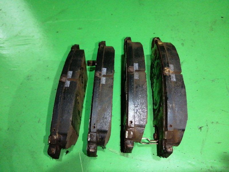 Тормозные колодки Toyota Ipsum SXM15 переднее (б/у)