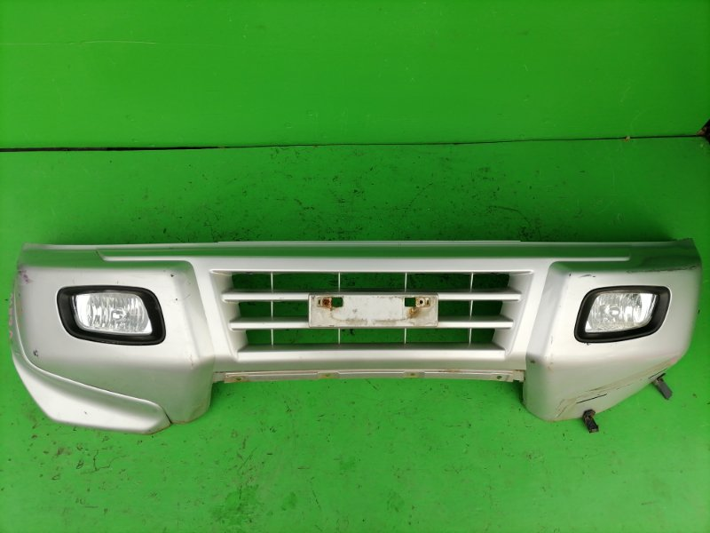 Бампер Mitsubishi Pajero V68W передний (б/у)