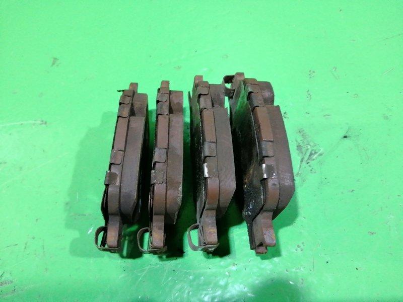Тормозные колодки Toyota Premio ZZT245 переднее (б/у)
