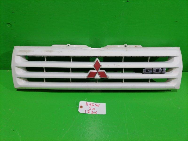 Решетка радиатора Mitsubishi Pajero Io H76W (б/у)